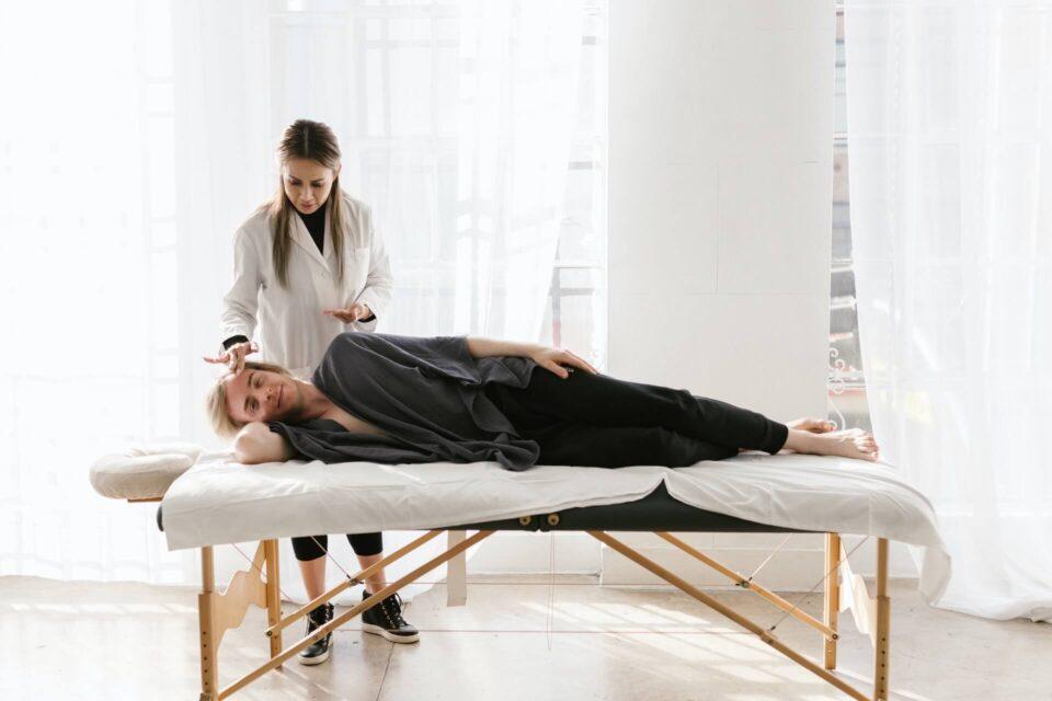 Τι είναι η φυσικοθεραπεία και γιατί πονάει;