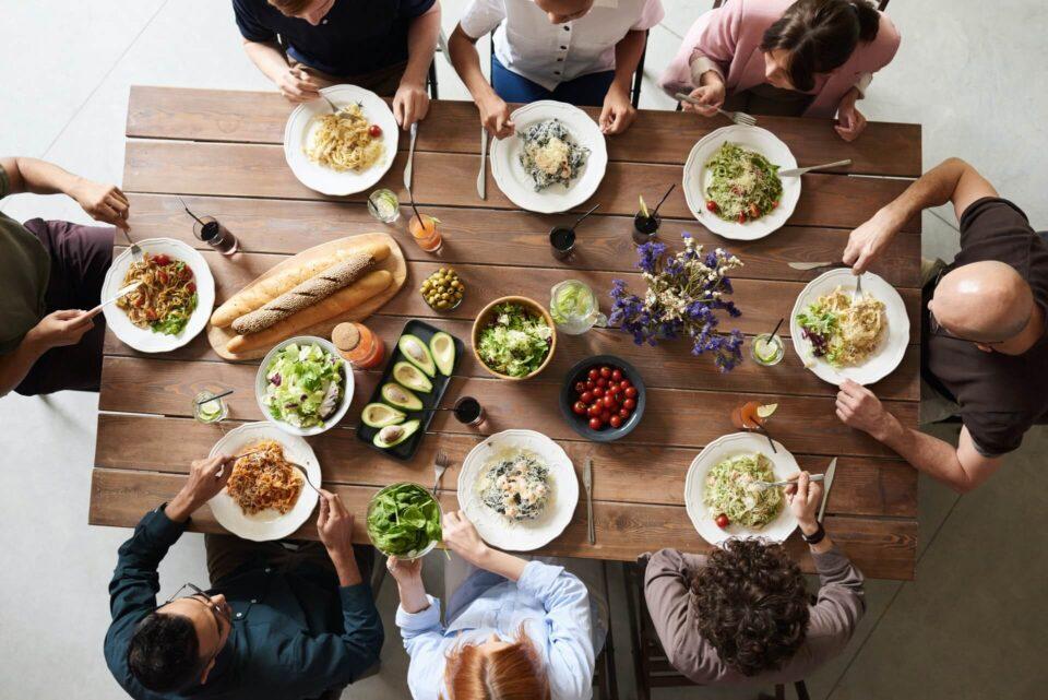 Η ποσότητα που καταναλώνουν τα παιδιά σχετίζεται με την ποσότητα που καταναλώνουν οι γονείς