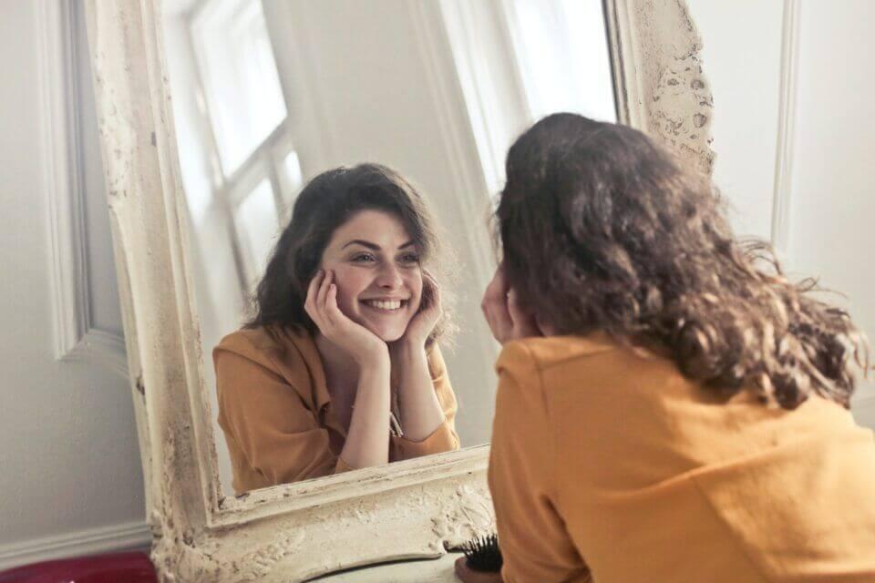 Πώς να φαίνεστε όμορφη χωρίς μακιγιάζ;