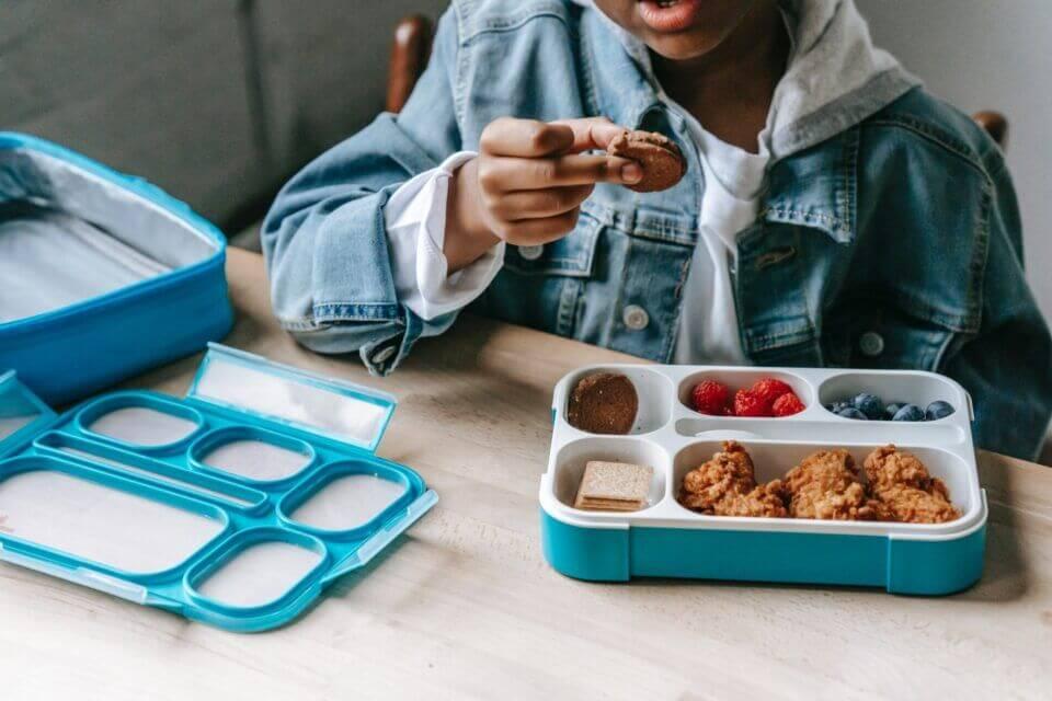 Υγιεινές επιλογές για πρωινό και Σνακ για τη νέα σχολική χρονιά