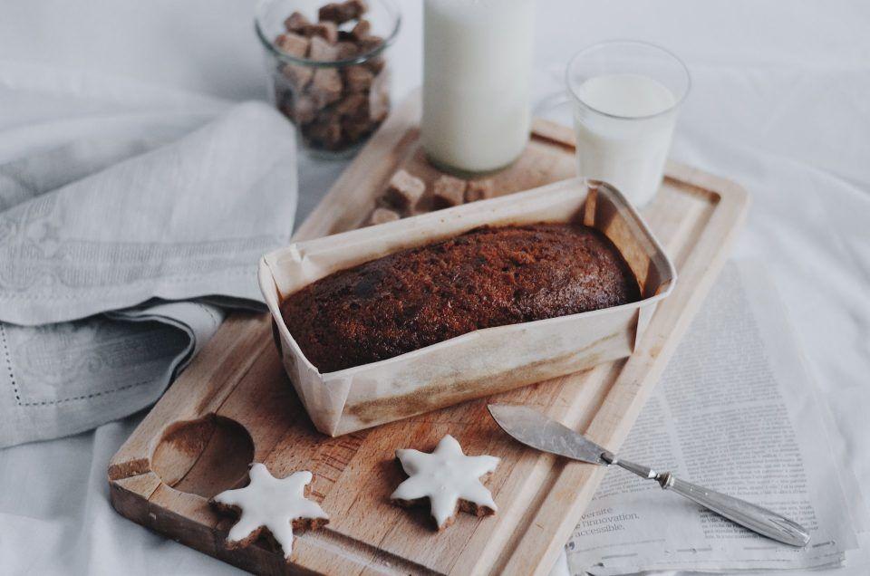 Είναι προτιμότερο να χρησιμοποιούμε μέλι αντί για ζάχαρη στις συνταγές των Χριστουγεννιάτικων γλυκών;