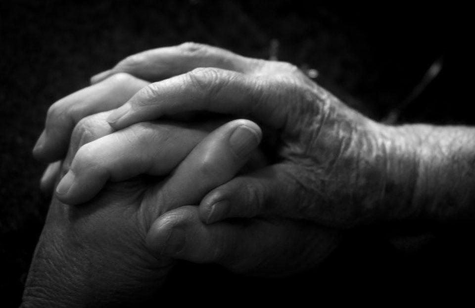 Αρθρίτιδα: Οι Τρoφές και τα Ροφήματα που πρέπει να αποφεύγετε