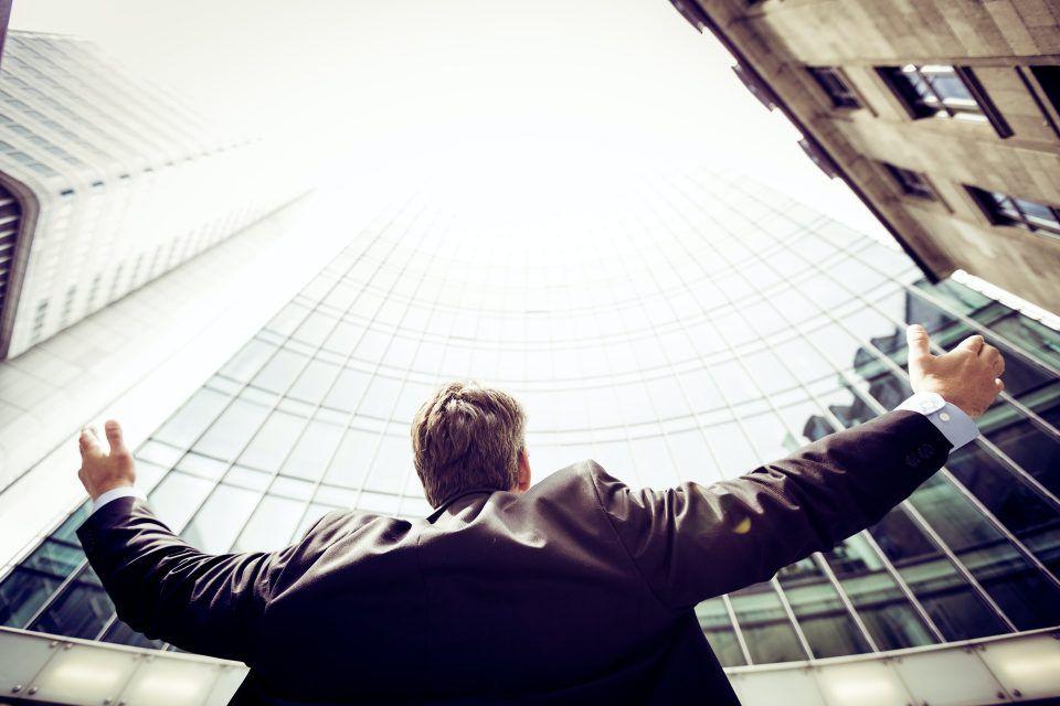 7 πρακτικοί τρόποι να διαχειριστείς το άγχος σου στη δουλειά