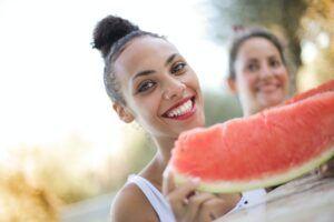 8 καλοκαιρινές τροφές για απώλεια βάρους