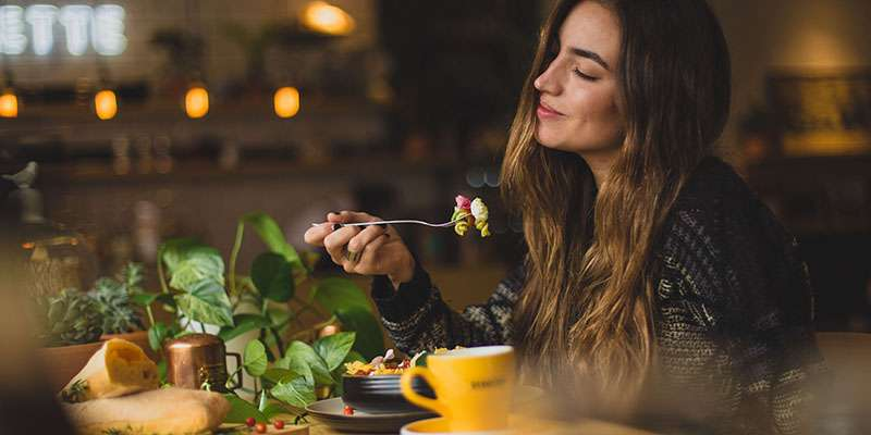 7 τρόφιμα που ενισχύουν την έκκριση σεροτονίνης