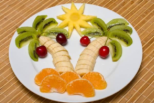 Έξυπνες ιδέες για να δελεάσετε τα παιδιά σας να καταναλώσουν φρούτα και λαχανικά