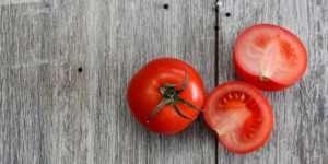 Μπορεί η ντομάτα να σας βοηθήσει να χάσετε βάρος?