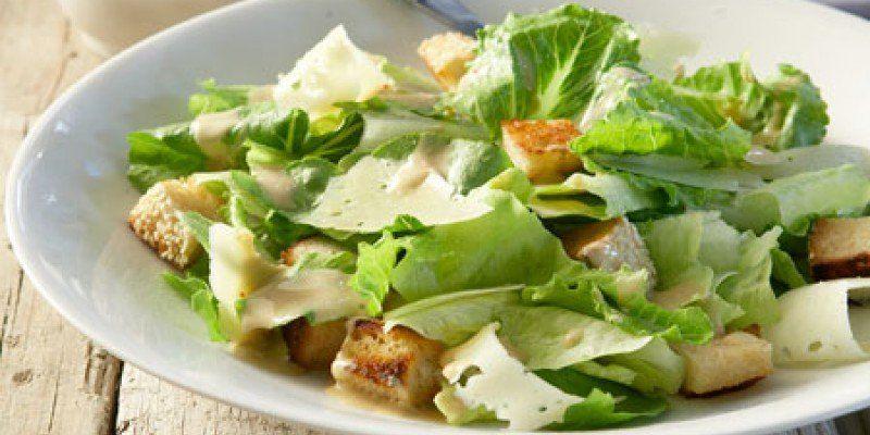 salata ceasars xwriatiki salata